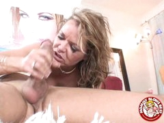 Messy Sexy Kelly Leigh Could Not Expect To Smack Her Reward Spurting On Her Mouth
