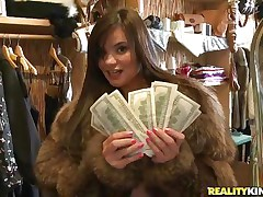sofia maya has some lesbian love for money